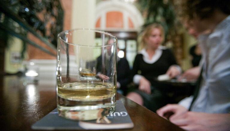 Таллин запрещает! Горуправа одобрила ограничения на продажу алкоголя в увеселительных заведениях