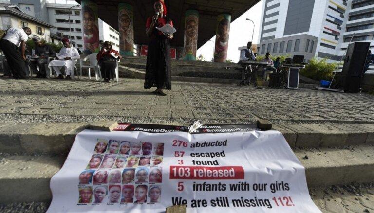 Žurnālists: lielākā daļa no 'Boko Haram' Nigērijā nolaupītajām skolniecēm ir mirušas