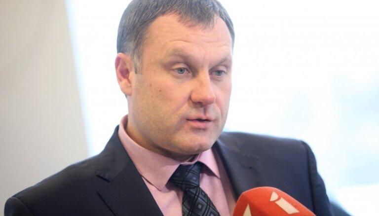 Komisijā vienbalsīgs atbalsts Stukānam ģenerālprokurora amatā (plkst. 12)