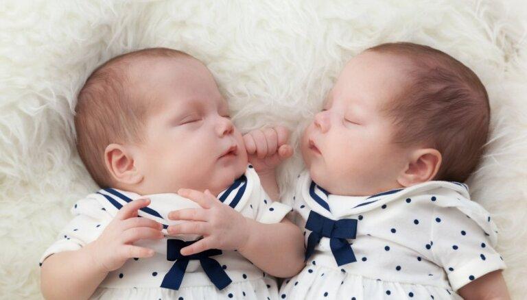В прошлом году в Рижском роддоме появилaсь на свет 91 пара близнецов