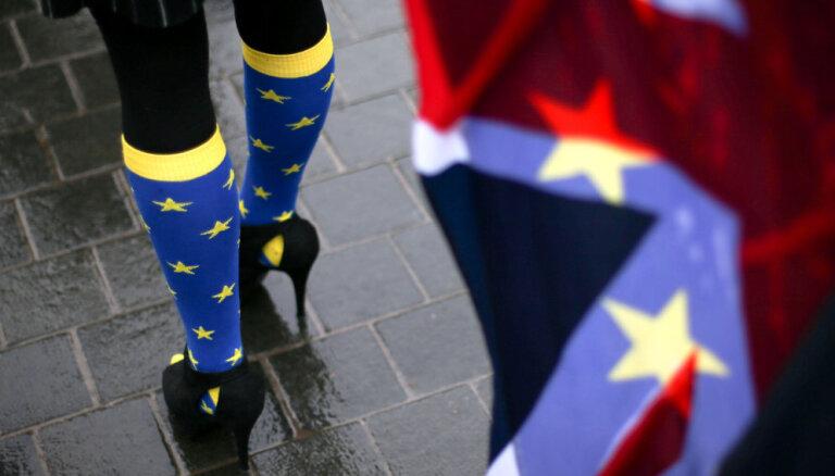 'Brexit' sarunvedēji vienojas par attiecību pamatiem pēc britu izstāšanās no ES