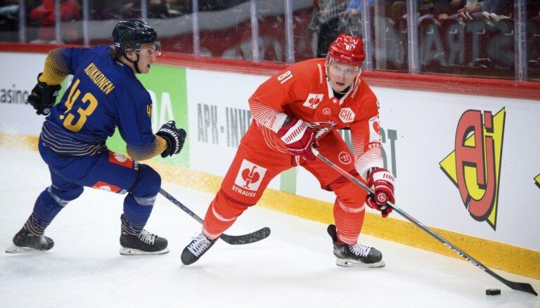Latvijas hokejistiem zaudējumi Čempionu līgas spēlēs