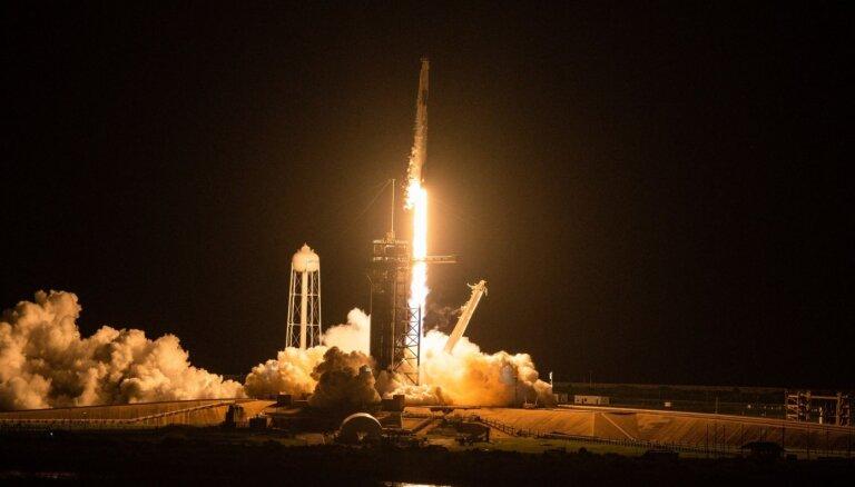 Video: Noskaties, kā kosmosā devās pirmā amatieru komanda