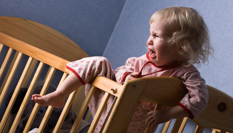 Kā pēc bērna uzvedības atpazīt sāpes