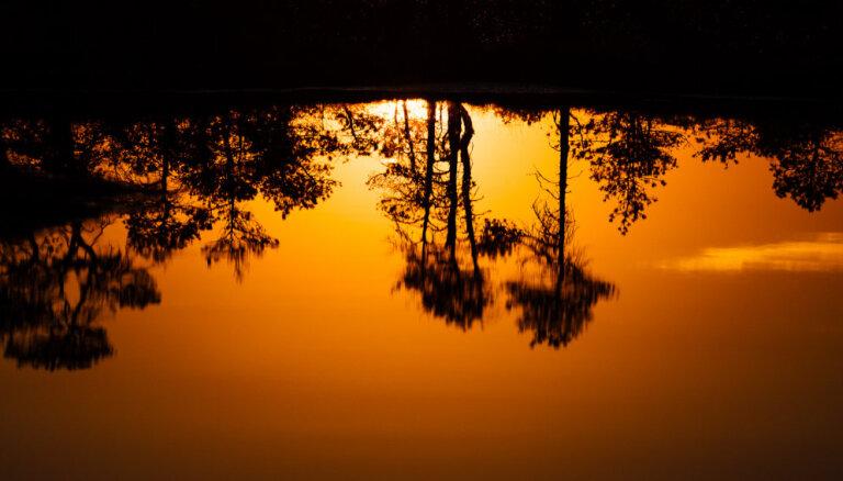 Privātīpašnieki un vides aizstāvji liedz pieeju Latvijas dabas bagātībām. Kāpēc?