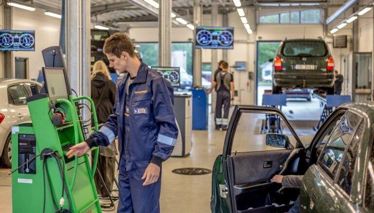 Foto: Siguldā svinīgi atklāta Latvijā jaunākā tehniskās apskates stacija