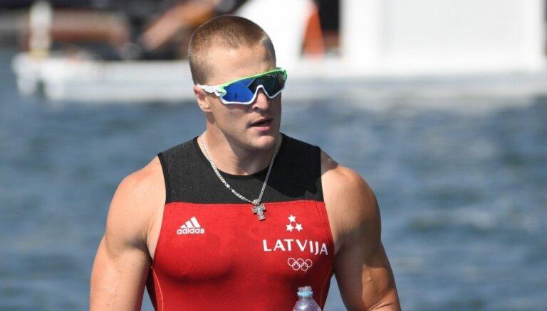 Smaiļotājs Rumjancevs sasniedz pasaules čempionāta A finālu