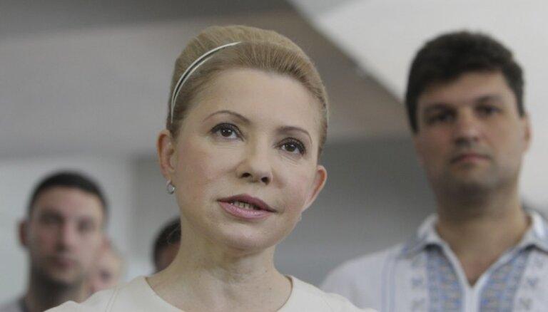 Ar Covid-19 inficētā Timošenko pieslēgta mākslīgās elpināšanas aparātam