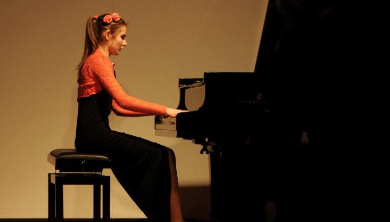 Pianiste Aurēlija Šimkus ieguvusi prestižu Vācijas mūzikas balvu