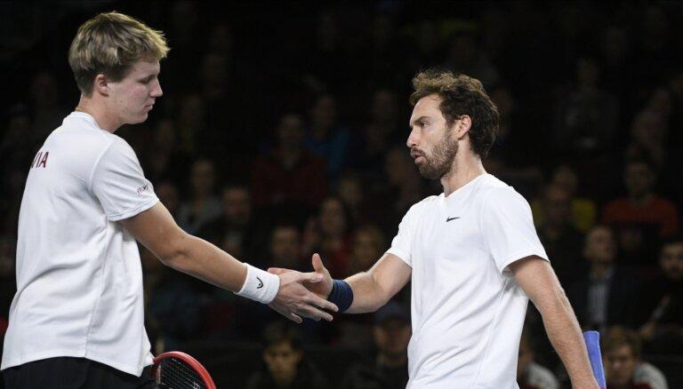 Latvijas tenisa izlase Deivisa kausam nav pieteikusi Gulbi un Ozoliņu