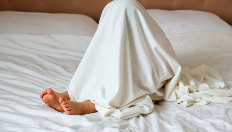 Kovidsomnija: kā pandēmija kaitē bērnu un pusaudžu miega kvalitātei