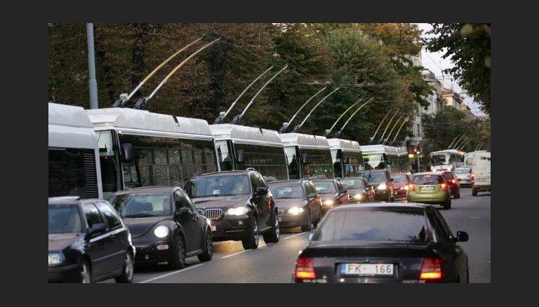 Rīgas satiksme: новые троллейбусы намного дороже из-за длины