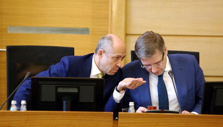 В случае отставки Ушакова его кресло перейдет Бурову