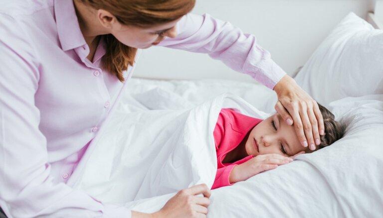 Если у школьника в школе проявятся симптомы ОРВИ, он должен быть изолирован