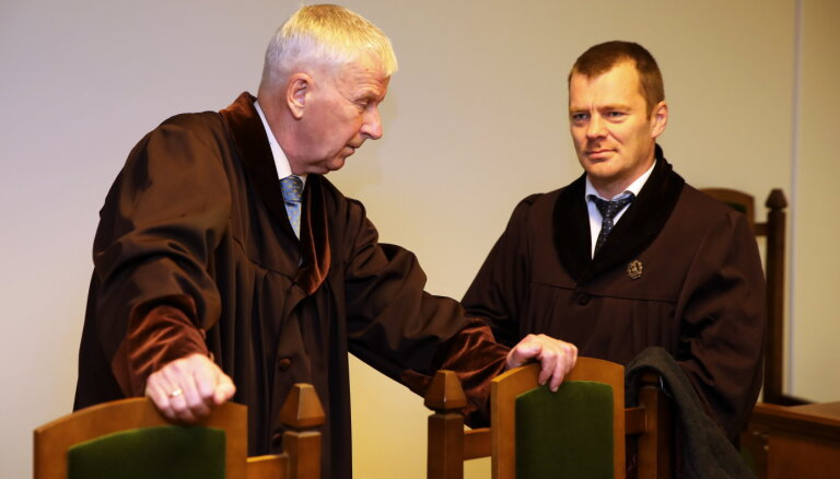 Tiesa pieņem Rimšēviča advokātam Duļevskim pieteikto noraidījumu (plkst.13.46)