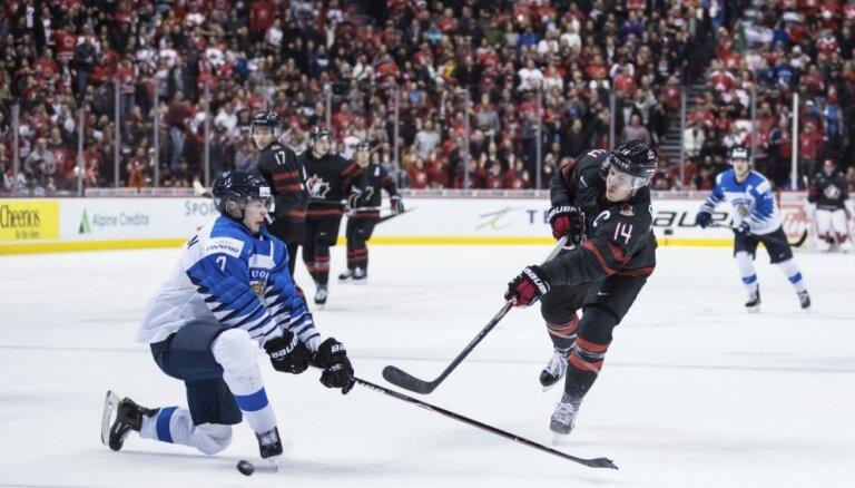 ВИДЕО: Финны выиграли молодежный чемпионат мира по хоккею, у России — бронза