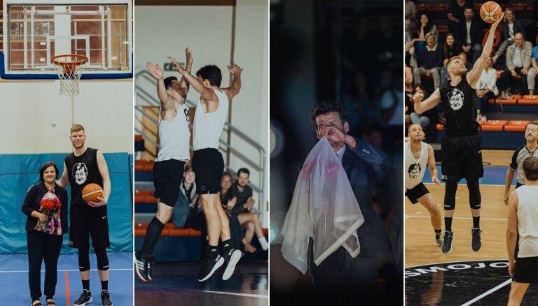 Foto: Ar basketbolu un dālijām Cēsīs godina teātra kritiķes Silvijas Radzobes piemiņu