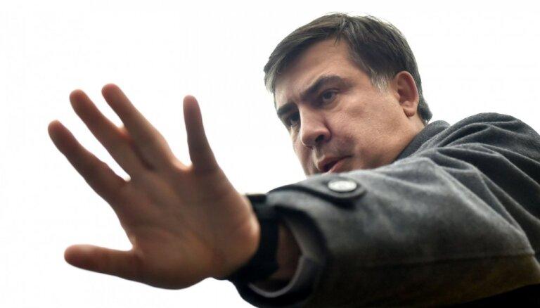 Ukrainas CVK nereģistrē Saakašvili partijas kandidātus parlamenta vēlēšanām