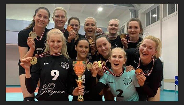 'Jelgavas' volejbolistes kronētas par Latvijas čempionēm