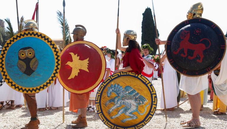 В Риме запретили рядиться центурионами и пить на улице