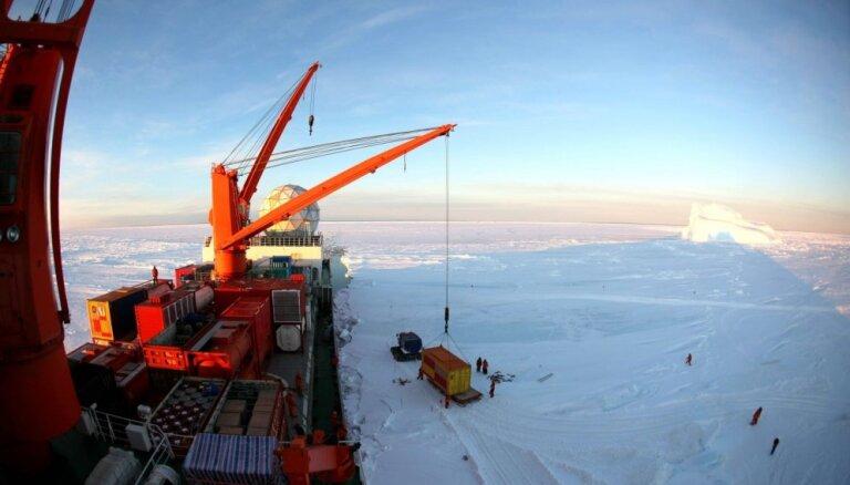 Ķīna Antarktīdā atradusi ledāju lidostas būvniecībai