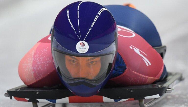 Olimpiskā medaļniece skeletonā Dīsa treniņbraucienā Siguldā gūst smadzeņu satricinājumu