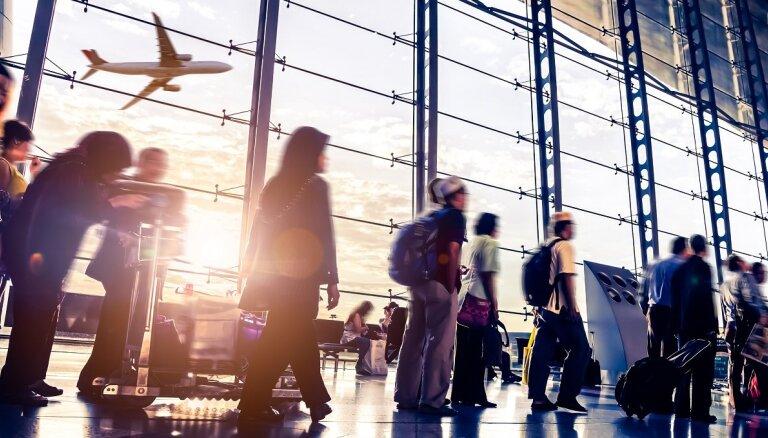 Ziņojums: pandēmijas laikā nav izdevies aizsargāt ES aviopasažieru tiesības