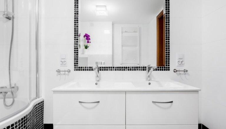 12 triki, kas vannasistabai liks izskatīties lielākai