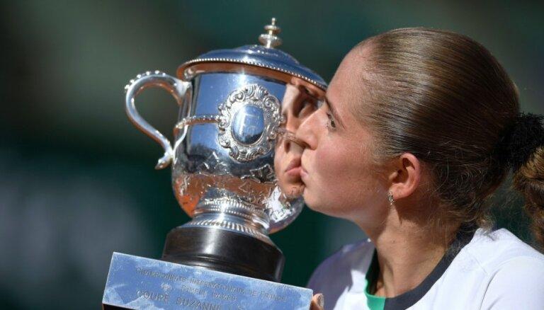 Ostapenko noilgojusies pēc turnīriem un atsākusi tenisa treniņus