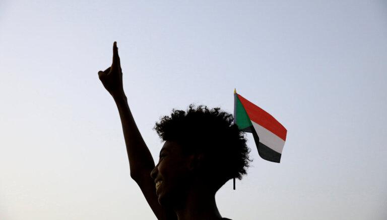Sudānā protestē pret pārtikas cenu pieaugumu; reģionos izsludina ārkārtas stāvokli