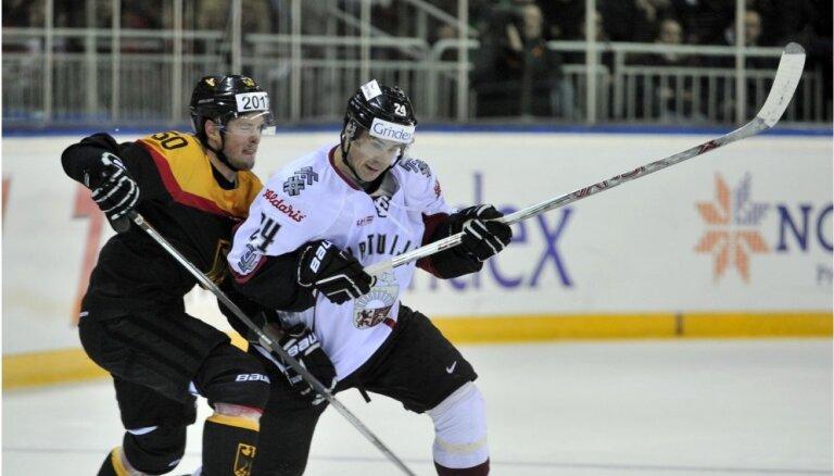 Merzļikins sargās Latvijas izlases vārtus otrajā mačā pret Vāciju; malā paliks Ābols