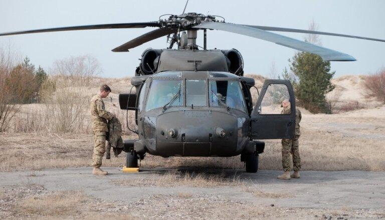 """США укрепят безопасность Латвии пятью вертолетами """"Черный ястреб"""""""