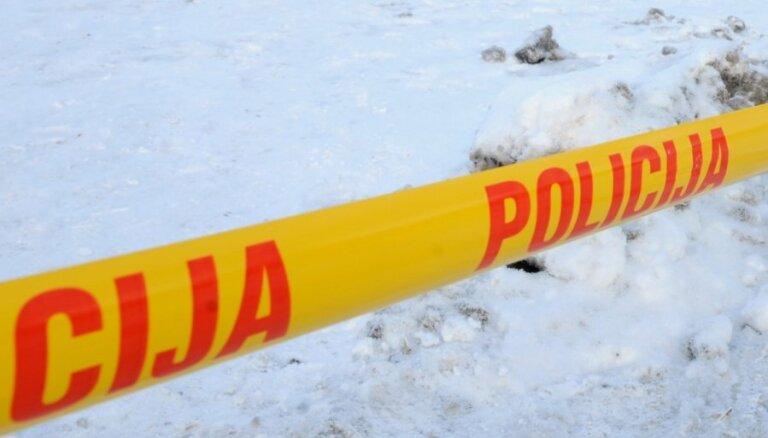 BMW съехал с дороги и врезался в дерево: погиб 25-летний водитель
