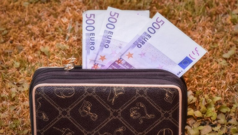 Латвийские экономисты рассказали, как коронавирус повлияет на зарплаты