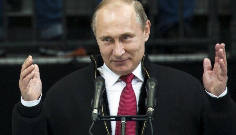 Владимир Путин стал менее симпатичен россиянам