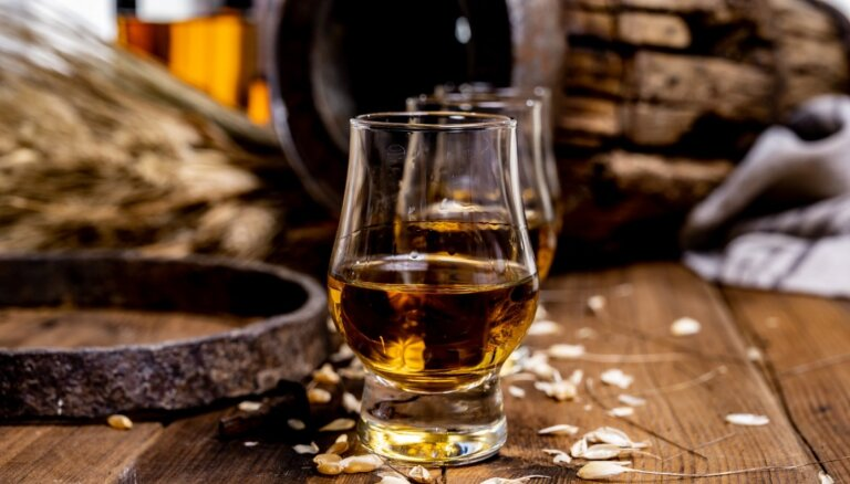 Pirmā satikšanās ar viskiju – raupjums, asums un nianšu smalkums