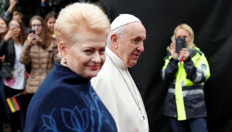 Pāvests Francisks sācis vizīti Baltijas valstīs (plkst. 12.51)