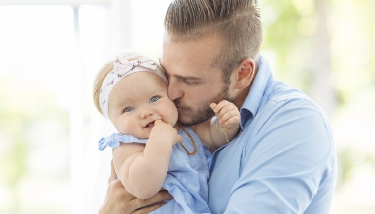 Seši piemēri par bērnu audzināšanu, kad mammām labāk ieklausīties tētu viedoklī