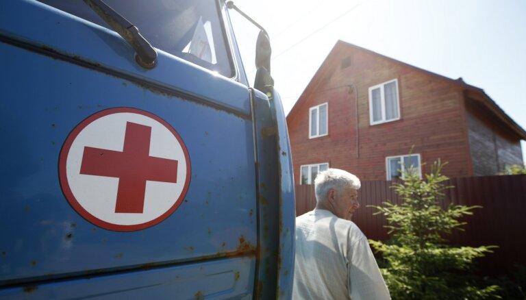 Maskavā slimnīcās ārstēs tikai pret Covid-19 potētos
