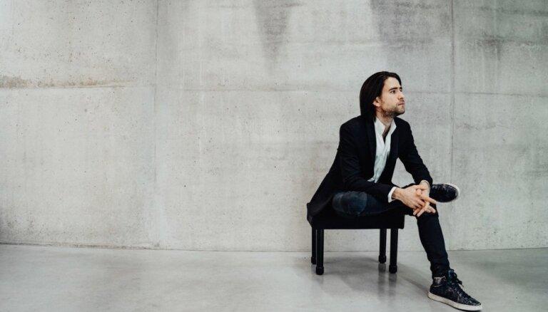 Valentīndienā Dzintaros ar romantisku klaviermūzikas koncertu uzstāsies Georgijs Osokins