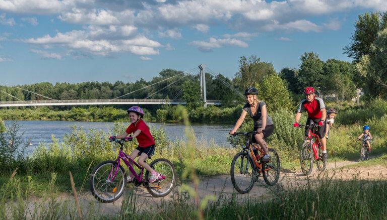 Valmieras pilsētas svētkos aicina doties velobraucienā pa Gaujas līkumiem