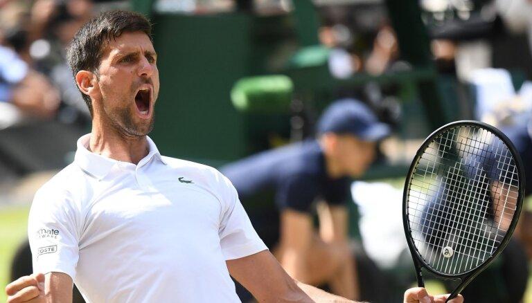 Veselību atguvušais Džokovičs droši iesoļo 'US Open' astotdaļfinālā