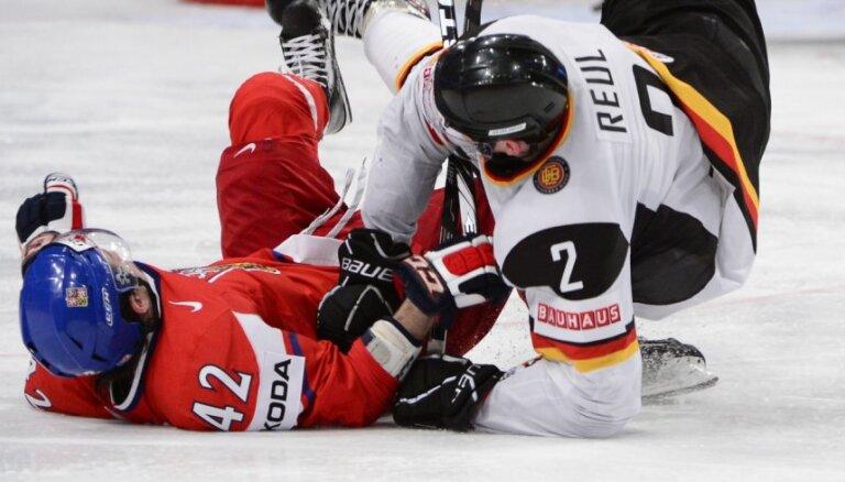 VIDEO: Arī Čehijas hokejisti nepažēlo Vāciju