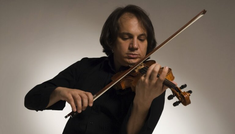 Rīgā uzstāsies itāļu vijoles virtuozs Luka Čarla