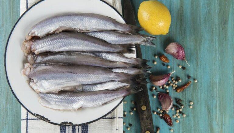Kā pareizi atkausēt saldētas zivis un jūras veltes