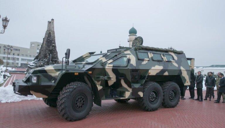 Video: Kadirovs novērtē čečenu pašu izstrādāto bruņumašīnu