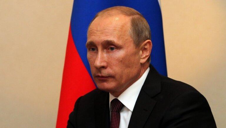 Путин пообещал Сербии не признавать независимость Косово