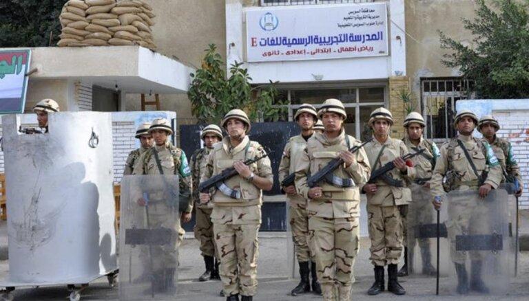 Pastiprinātas drošības apstākļos Ēģiptē sācies referendums par jauno konstitūciju