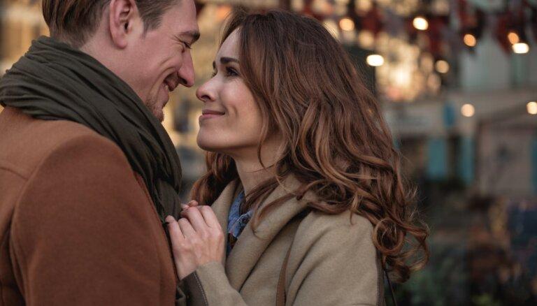 Noslēpumainā attiecību ķīmija: kāpēc ar dažiem jūtam dzirkstelīti, bet citiem ne