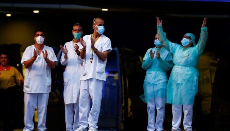 Болеть Covid-19 придется почти месяц. Но карантин уже спас в Европе десятки тысяч жизней